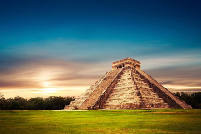 chichen-itza-pyramids